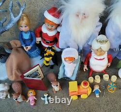 2004 Santa Claus Is Coming To Town Action Figure Set