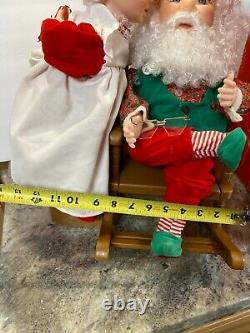 21 Santas Best Animated Mrs Claus Kissing Santa Christmas Love Gift Musical