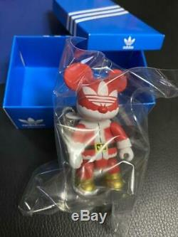 Adidas Qee Figure Toy2R Santa Claus Christmas limited edition