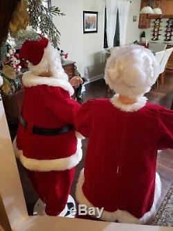Animated Life Size 5 Foot Mrs Santa Claus & Santa Claus Sings & Dances Christmas
