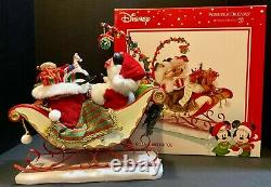 Dept 56 MICKEY & MINNIE SLEIGH BELLS, MISTLETOE Possible Dreams Figure Christmas