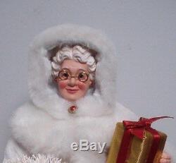Dept 56 Possible Dreams Clothtique mr & mrs Santa Claus 40th ruby anniverary pr