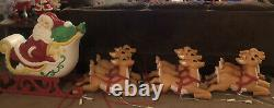 Grand Venture Santa Claus Sleigh With (9) Flying Reindeer Blow Molds