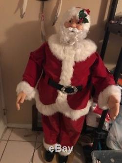 Life Size Dancing Singing Animated Santa Claus figure