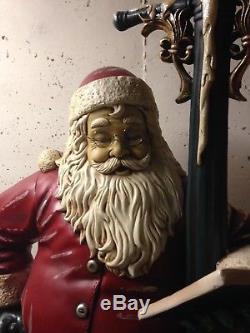 Life Size Santa Claus Statue