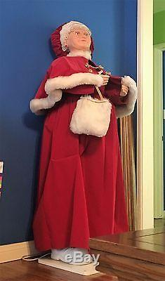 MRS. SANTA CLAUS, 5 Ft Tall Life Size, Animated, Christmas