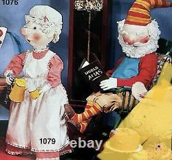 Rare David Hamberger Displays Animated Mechanical Santa And Mrs Claus Set Of 2