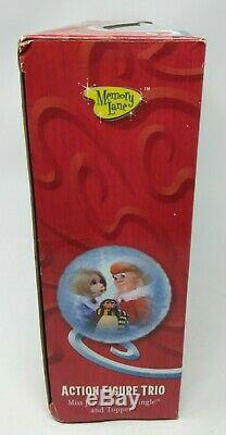 SANTA CLAUS IS COMIN TO TOWN Figure Trio KRIS KRINGLE Miss Jessica TOPPER W18
