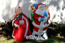Very Rare Mr. & Mrs. Santa Claus Lighted Yard Decorations Collectible