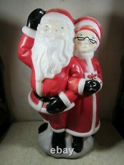Vintage 1978 Empire Santa & Mrs Claus Light Up Blow Mold Christmas Decoration