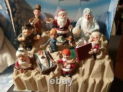 Winter's & Friends Santa Claus is Comin to Town 10 pc + Winter + Magic Snowbal