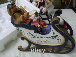 Yankees Sleigh + Mrs Santa Claus Figure 2001 HTF RARE